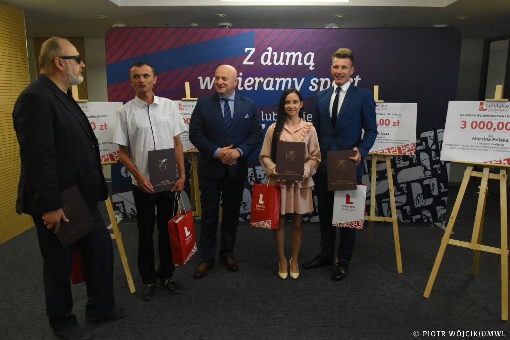 Prezes klubu oraz zawodnicy KKT HETMAN na spotkaniu z Marszałkiem Województwa Lubelskiego